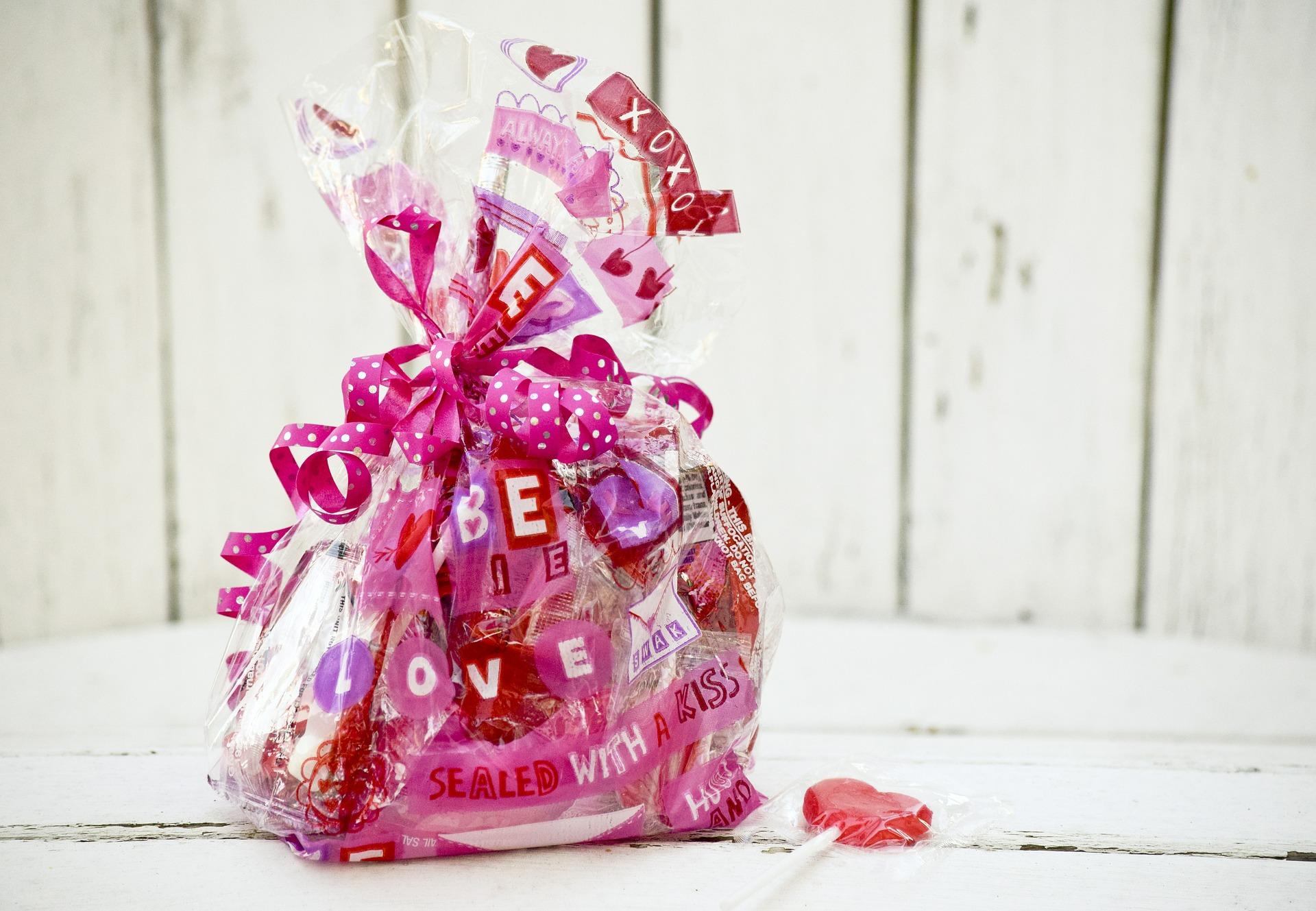 valentine-636835_1920
